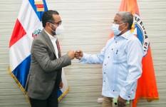 Director Salas recibe visita del diputado ante el PARLACEN, José...