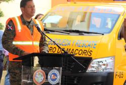 Entregan vehículo de rescate y equipos a Defensa Civil San Pedro de Macorís