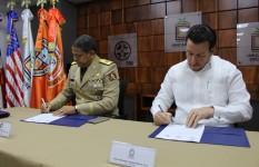 Firman convenio para fortalecimiento de capacidades en Gestión...
