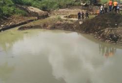 Defensa Civil recupera cuerpos de tres niños ahogados en una laguna